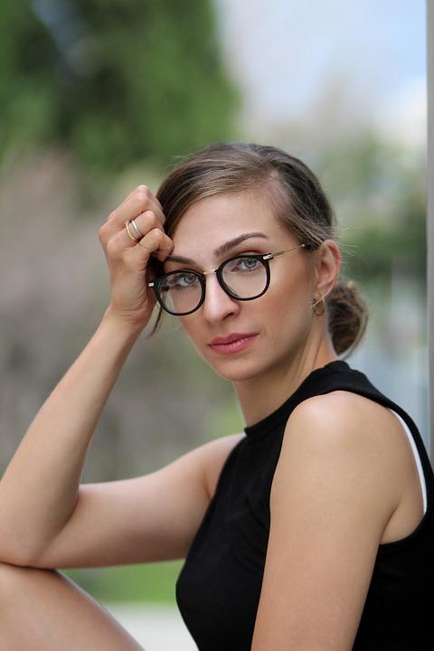 glasses-4071872_960_720